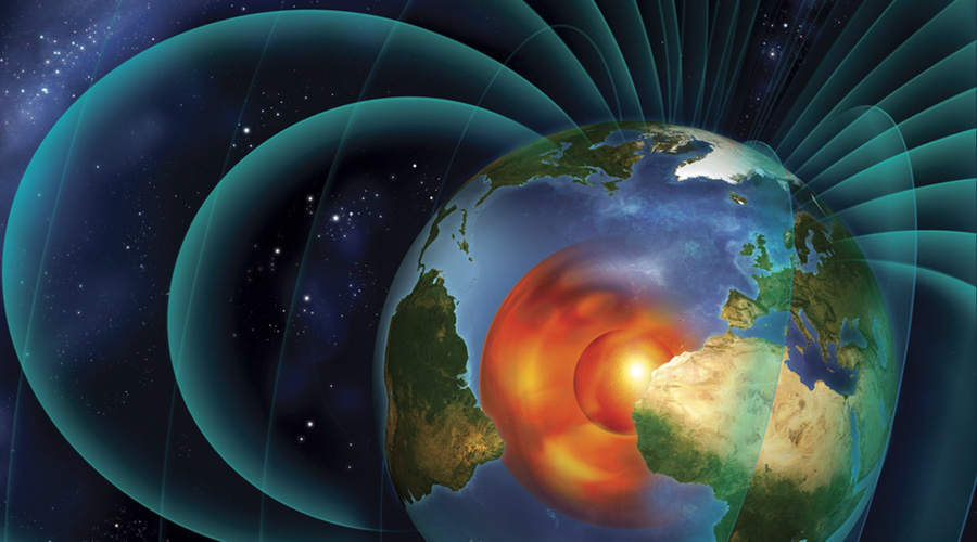 Океан расплавленного металла На глубине 2890 километров расположено колоссальное озеро расплавленного металла, температура которого превышает 5000 градусов Цельсия. Это озеро и есть внешняя часть ядра. Здесь бушуют свои штормы и вихри, формируя электрические и магнитные поля невероятной силы. Движение потоков расплавленного металла приводит к формированию общего магнитного поля Земли, без которого жизнь на планете была бы просто невозможна.