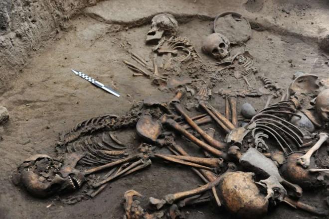 content-1517604143-descubren-en-tlalpan-un-entierro-multiple-de-los-primeros-aldeanos-de-la-cuenca-de-mexico-foto-mauricio-marat-inah-2-002
