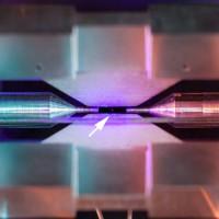 Ученые получили первое в истории изображение атома