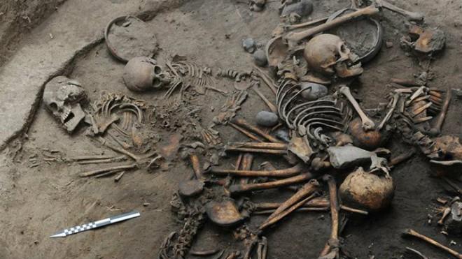Загадочная спираль скелетов была открыта археологами в Мексике. Ученые впервые столкнулись с подобным ритуалом