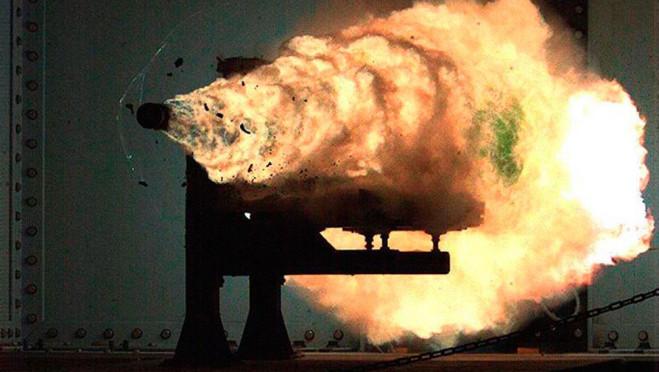 Китай установил на эсминец рельсотрон — футуристичное оружие, которого нет больше нигде в мире