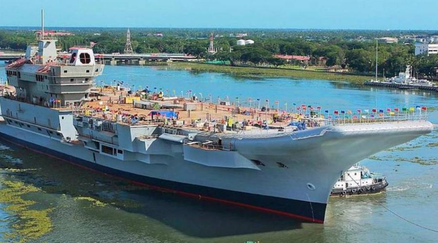 INS Vikrant Легкий авианосец Vikrant уже в этом году будет официально принят на вооружение и станет флагманом западной группы ВМФ Индии. Корабль примет на борт два десятка МиГ 29К и несколько вертолетов, в том числе и индийского производства.