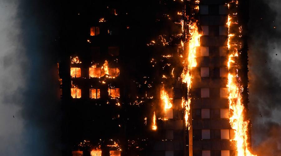 Возьмите себя в руки Помните, время идет буквально на минуты. Особенно это касается пожаров в многоэтажных домах. Путь к эвакуационным выходам сначала преградит токсичный дым, а затем и пламя. Действуйте осознанно, не теряйте времени на бесполезные сборы.