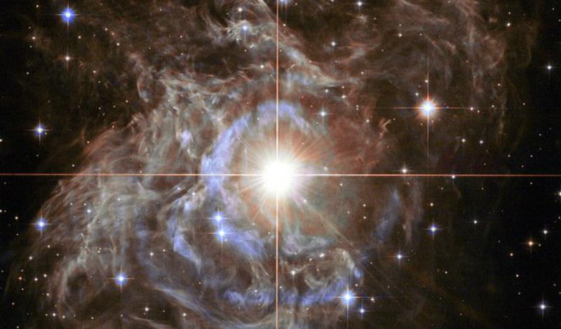 Галактика Х Удивительно, но ученые смогли обнаружить (правда, только теоретически) даже целую галактику, состоящую исключительно из темной материи. Так называемая Галактика Х лежит за пределами Млечного Пути. Исследователи обнаружили странные гравитационные аномалии в том регионе космоса и смогли сопоставить взявшееся будто ниоткуда гравитационное воздействие с имеющимися фактами о темной материи. Получилось, что где-то там, за пределами нашего восприятия, должна быть таинственная галактика, целиком состоящая из темной материи!