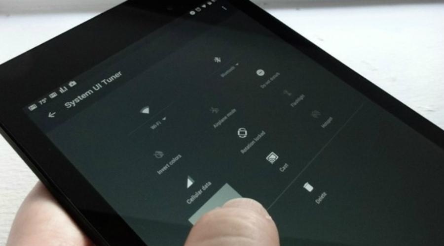 Свободная память Если на смартфоне стоит операционная система Android 7.0 Nougat или более поздняя версия, вы можете воспользоваться функцией Smart Storage. Она автоматически определяет дефицит свободного места и отправляет редко просматриваемые фото- и видеофайлы в облачное хранилище.