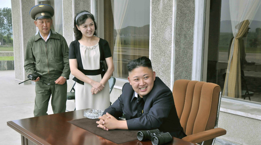 Внешность и возраст Девушки «Отряда удовольствия» не могут быть рослыми. 165 сантиметров — вот предел, который нравится Ким Чен Ыну. Обычно в телохранительницы набирают с 13-летнего возраста, в 20 лет, как уже сказано выше, девушки насильно отправляются замуж.