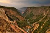 Yellowstone-National-Park-2-889x591