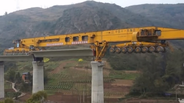 giant-bridge-girder-erection-machine-02