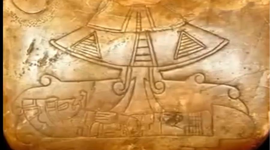 Артефакты майя В 2012 году правительство Мексики обнародовало ряд артефактов майя, которые до этого 80 лет хранились под грифом «секретно». Эти вещи извлекли из пирамиды в Калакмуле – месте, где находился один из самых развитых городов майя. Большинство находок совершенно определенно изображают НЛО и инопланетян. Проблема в том, что эти артефакты были показаны только в документальном фильме, авторы которого имели все основания совершить мистификацию, чтобы прославиться.