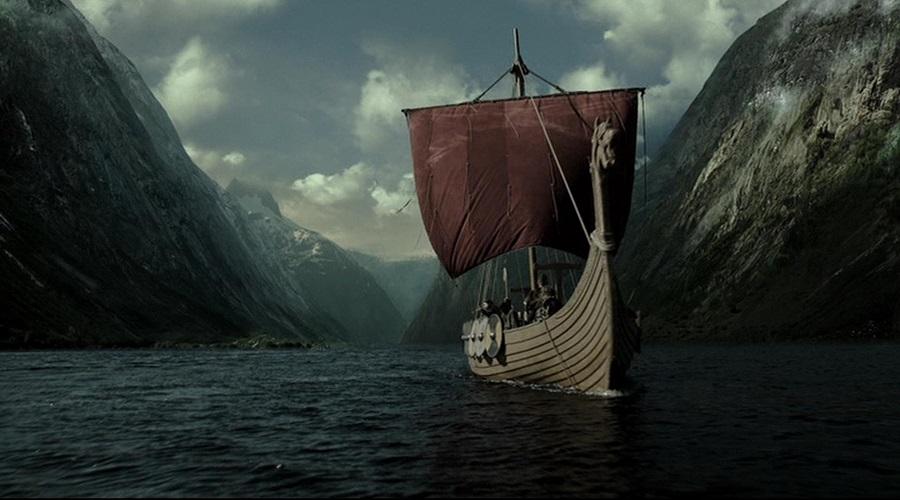 Маршрут викингов Известно, что в 1000 году викинги достигли берегов Северной Америки впервые. Однако там их следы теряются, и неизвестно, куда они продолжили миргрировать. Совсем недавно были обнаружены артефакты, свидетельствующие о том, что северное побережье Северной Америки могло быть местом их долгосрочного пребывания.