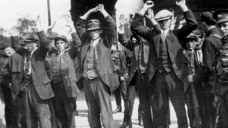 Бостонские войны Все началось из-за девушки. Джордж МакЛафлин, один из офицеров Чарльстонской группировки увел подругу Алекса «Бо Бо» из Уинтерхилльской банды. Конфликт окрасился красным: ирландцы не жалели ни себя, ни врага. В результате всех чарльстонцев вырезали под корень.
