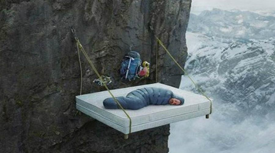 Кислородное голодание Даже в холодное время года спать с закрытым окном не стоит. Окно в спальне должно быть открыто постоянно. Мерзните? Лучше возьмите одеяло потолще, но оставьте себе доступ свежего воздуха.