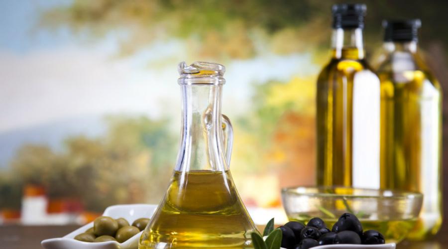 Оливковое масло Оливковым маслом и вовсе стоило бы заменить все другие масла. Регулярное употребление оливкового масла снижает уровнь холестерина в крови, что укрепляет стенки артерий.