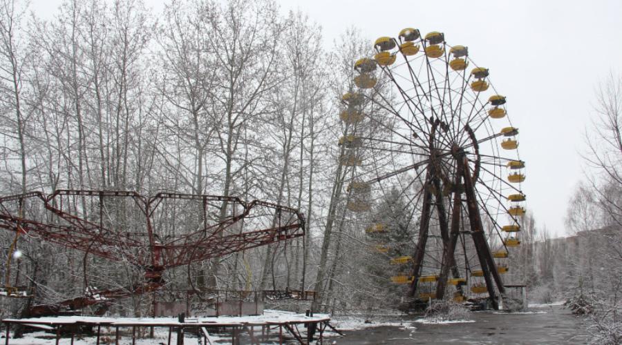 Туристическая зона Никуда не торопитесь? Отлично — лет через десять в Чернобыле планируют открыть самую настоящую туристическую зону. Не нужно больше искать полулегальных гидов по форумам: купите путевку в агентстве и отправитесь смотреть на Припять и Саркофаг с комфортом.