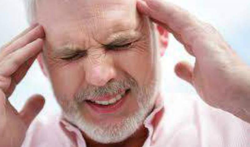 Приступы головной боли Внезапный приступ резкой головной боли после физической активности предупреждает об опасности. Иногда боль появляется и вовсе без причин — игнорировать этот признак не стоит ни в коем случае.