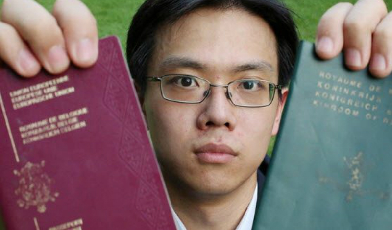 Тзе Чунг Чанг Рожденный в Гонконге Тзе получил от отца бельгийское гражданство. Вот только по законодательству Бельгии, рожденные за пределами страны люди должны проживать на территории Бельгии с 18 до 28 лет. Бедняга Тзе даже не знал об этих условиях и спокойно жил в Гонконге по бельгийскому паспорту. Теперь же он стала апатридом — Бельгия мужчину не принимает, Гонконг с выдачей документов тоже не торопится.