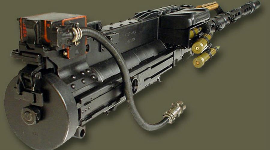 Ударный пулемет Для повышения боевой эффективности бронетехники как самостоятельной огневой единицы КПВТ устанавливается во вращающейся башне, вместе с более легким ПКТ. Но пулемет Владимирова использовался не только для бронетранспортеров, его поставляли и на флот. Обычно КПВТ оснащался перископическим прицелом ПП-61А, что позволяло вести прицельную стрельбу короткими очередями на значительной дистанции.
