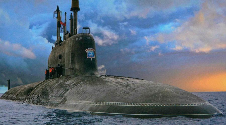 Столкновение в Охотском море Трагедией чуть было не закончился и еще один учебный поход советской субмарины в Охотском море. 24 июня 1970 года американская АПЛ «Тотог» совершенно внезапно врезалась в бок подлодке К-108. На борту судов имелись баллистические ракеты. Несмотря на значительные повреждения К-108 всплыла, но вот к берегу ее пришлось доставлять уже буксирами.