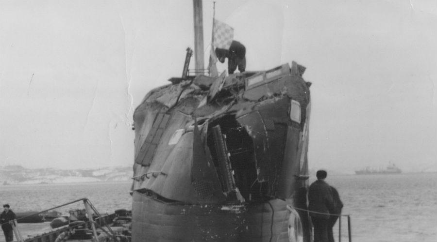Кальмар против Стерджена Советская стратегическая подлодка К-211 проекта «Кальмар» получила внезапный удар по корпусу 23 мая 1981 года. Позднее выяснилось, что виной всему стала американская атомная субмарина класса «Стерджен», капитан которой выполнял шпионскую миссию и не смог верно рассчитать расстояние до советского судна. Обе субмарины вернулись в порты назначения своим ходом.