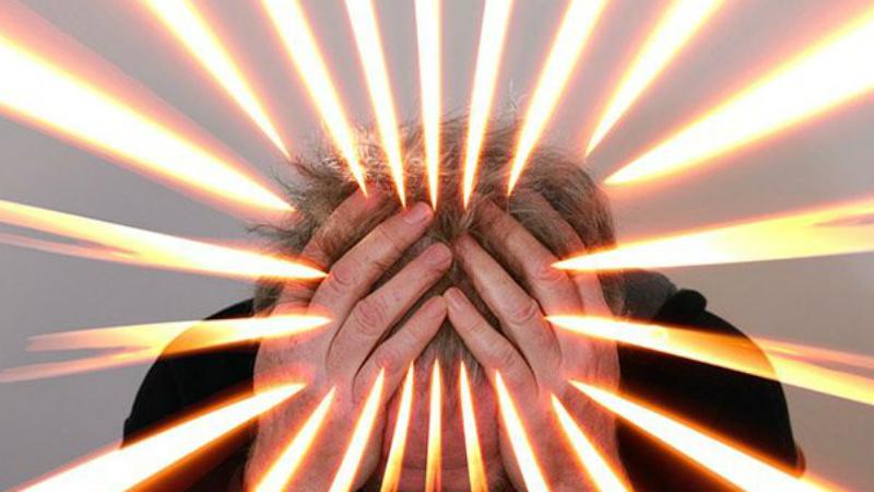 Борьба со стрессом Клинический нейропсихолог Джастин Фейнштейн, посвятивший последний десяток лет изучению влияния сенсорной депривации, говорит, что всего несколько сеансов значительно снижают общий уровень стресса. Впрочем, это довольно очевидно: без раздражителей извне нервная система расслабляется, что и снижает уровень беспокойства.