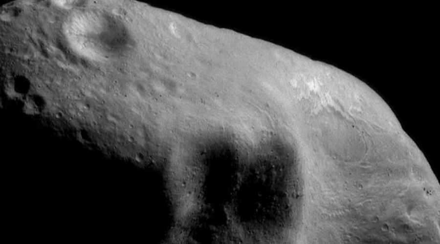 2001 WN5 20 ноября 2001 года американские астрономы открыли новый астероид и сразу же занесли его в реестр наиболее опасных для нашей планеты. Его диаметр составляет 15 километров, а его траекторию пока вычислить так и не смогли. 26 июня 2028 года 2001 WN5 подойдет на расстояние всего в 250 тысяч километров. Его можно будет увидеть в обычный бинокль и кто знает, не решит ли небесный камень свести более близкое знакомство с Землей.