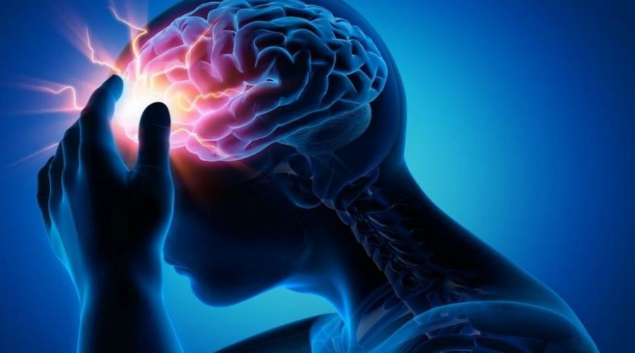 Как предотвратить опасность Получить тихий инсульт рискуют очень многие. Такова уж современная жизнь, полная стресса и нездоровых привычек. Что делать? Ну, для начала придется привыкнуть контролировать себя. Поддерживать в норме кровяное давление, уровень холестерина и сахара. Само собой, отказаться от курения и нездоровой пищи. Регулярные тренировки пойдут только на пользу, они укрепят стенки сосудов, что позволит снизить риск до минимума. Да, все перечисленное — непросто. Однако выбора у современного человека особо и нет: либо живешь умно и долго, либо коротко и глупо.