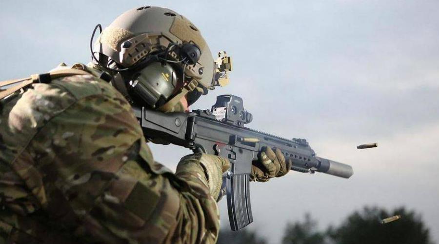 CZ 806 Bren 2 Новый автоматический карабин CZ 806 Bren 2 получила Группа вмешательства Национальной жандармерии Франции GIGN. Оружие использует еще советский промежуточный патрон 7,62x39 мм, что и стало основной причиной замены автоматов HK416. Дело в том, что новый Bren предназначен специально для противодействия террористам в бронежилетах — у этого оружия большая останавливающая сила.