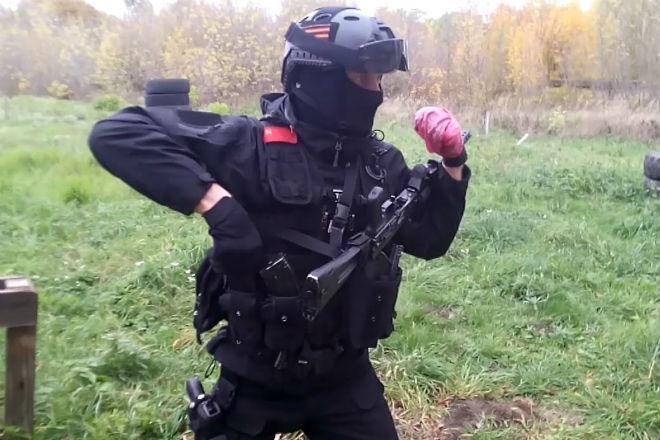 Тактическая перезарядка Калашникова на ходу: навыки спецназа ФСБ