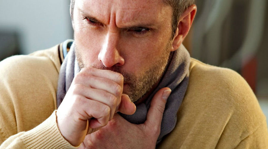 Бесконечный кашель Кашель может быть следствием простуды, но кроме этого он может быть и признаком более серьезных сердечно-сосудистых заболеваний. При сердечной недостаточности постоянный, непрекращающийся кашель в какой-то момент вызывает выделения розоватой жидкости — это потому, что в ней содержится немного крови. Этот сигнал пропускать нельзя ни в коем случае: как минимум, поход к терапевту вам нужен.