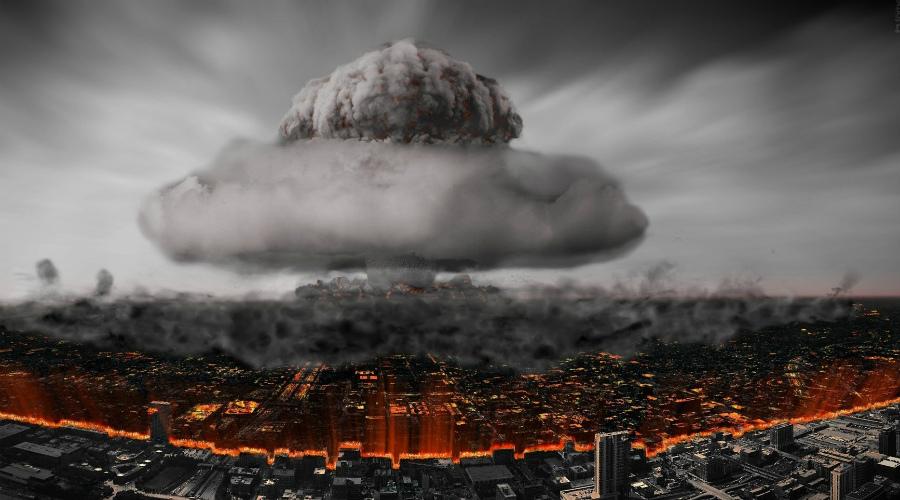 Прежде чем запустить ответный удар, система должна была бы проверить четыре «если»: если система была активирована, сперва она попыталась бы определить, имело ли место применение ядерного оружия на советской территории. Если бы связи с командованием не было, «Периметр» решил бы, что Судный день настал, и незамедлительно передал право принятия решения о запуске любому, кто в этот момент находился бы глубоко в защищённом бункере, в обход обычных многочисленных инстанций — Владимир Ярынич, разработчик системы Периметр