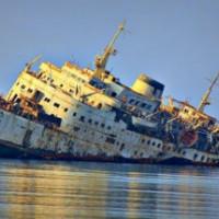 Как затапливают огромные корабли