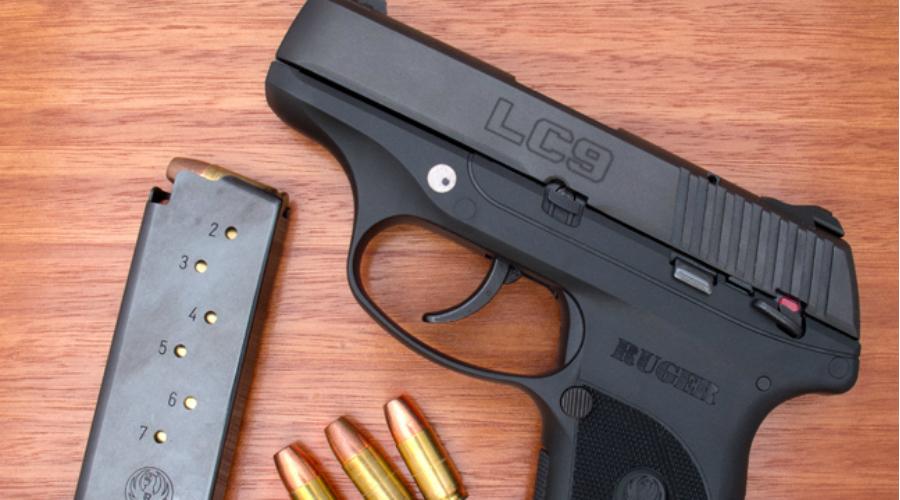 Ruger LC9Эту кроху можно легко спрятать даже в рукаве плаща, в лучшем духе шпионских фильмов. Ruger LC9 не самый мощный из пистолетов такого рода, зато точно один из самых незаметных.