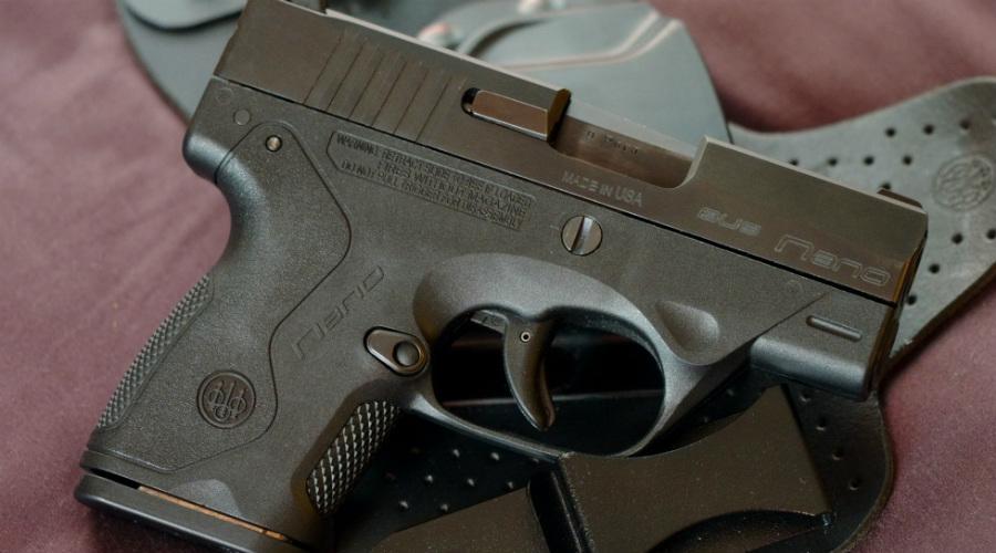 Beretta NanoИтальянские мастера специально разрабатывали Beretta Nano так, чтобы выхватить пистолет можно было мгновенно. Гладкое и удобное оружие полностью лишено выступающих частей, шансы на то, что он зацепится за одежду минимальны.