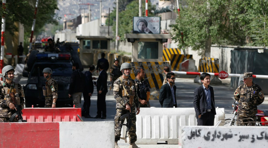 Афганистан Рейтинг угрозы: 3.585 Десятилетиями в Афганистане кипят боевые действия. Сейчас внутриполитическая ситуация гораздо более спокойна, чем была ранее, но в стране все еще очень опасно. Нередки случаи похищения людей, особенно иностранных туристов.