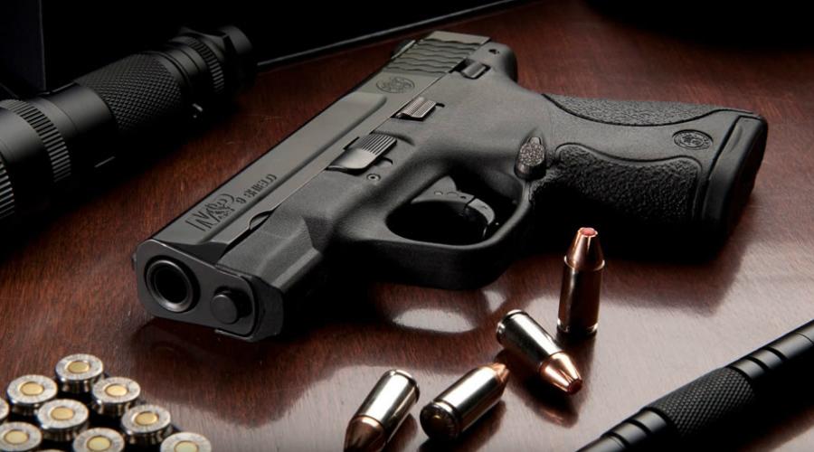 Smith & Wesson M&P Shield Пистолеты для скрытого ношения есть почти у каждой крупной оружейной марки. Не стал исключением и Smith & Wesson: модель Smith & Wesson M&P Shield очень часто выбирают американские детективы в качестве запасного оружия.