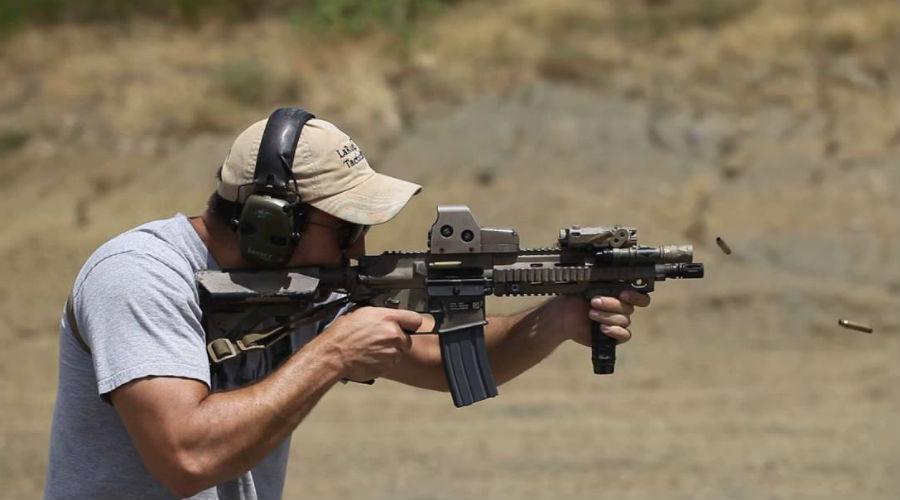 НК416 Детище Heckler & Koch, кстати, тоже в списке. Немцы адаптировали новую винтовку под американскую модульную систему AR15. Пусть внешнее сходство с карабином М4 вас не обманет: по сути, механизм гораздо ближе к немецкой H&K G36.