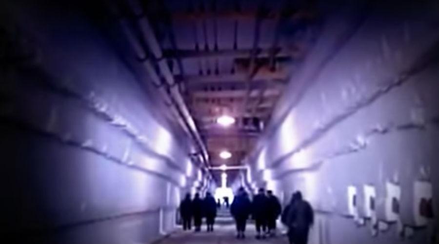 Амбициозный проект Проект «Ледяной червь» стартовал в 60-х годах прошлого века. Американцы планировали пронизать Гренландию сетью ядерных ракетных площадок. Каждая из них могла бы атаковать СССР в отрыве от других коммуникаций.