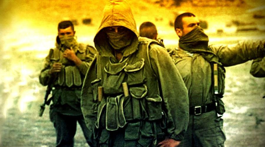 Первые шаги Советский спецназ имеет свое место в ряду всех прочих войск особого назначения. Первые части пробовали формировать еще в 1918 году: ЧОН, части особого назначения, были неким зачатком более позднего ГРУ и КГБ.