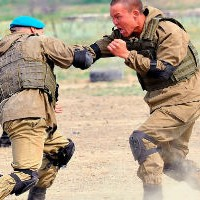Русский спецназовец вышел против огромного американского бойца