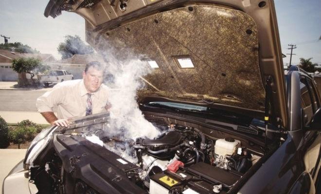 Глушим двигатель не сразу после остановки: привычка опытных водителей