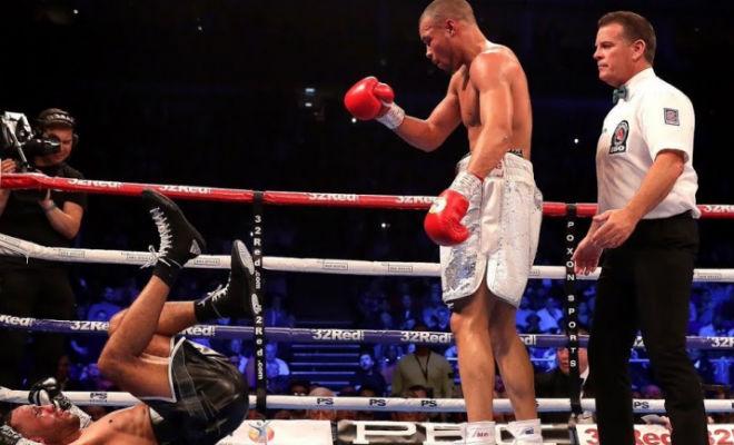 Медаль за неуважение: боксер стал чемпионом засмеяв соперника