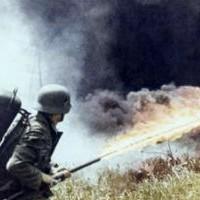 Немецкий огнемет Второй Мировой в действии