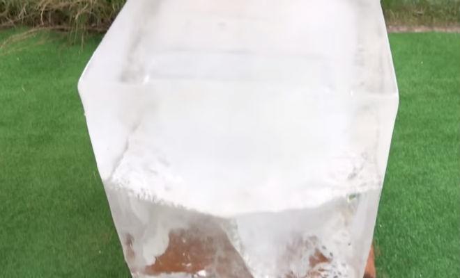 Скидываем раскаленную гирю на глыбу льда