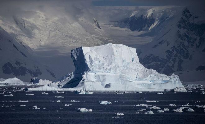 Ученые из НАСА просветили Антарктиду из космоса и показали толщину льда