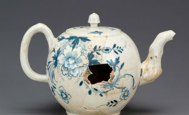 Загадка старого чайника: клад ждал удачи 70 лет