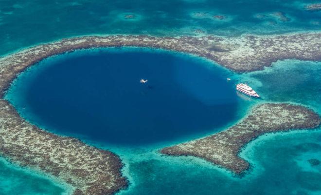 Ученые опустились на самое дно Большой голубой дыры