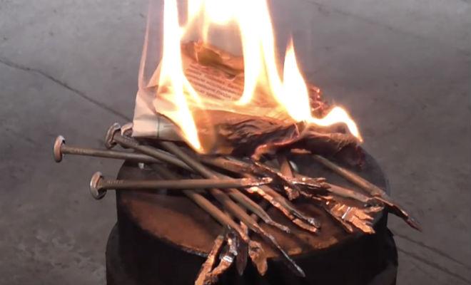 Зажигаем огонь обычным гвоздем