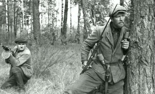 ППД-40 в руках у поисковика: нашли невероятно редкий советский автомат