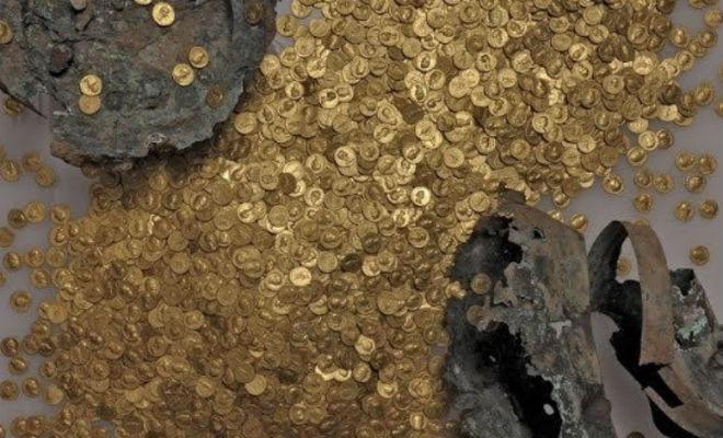 Клад лежал под ногами: строители дороги зацепили золотой курган