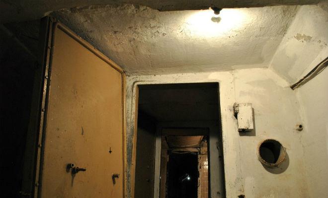 Подземный город под военной частью: поисковики спустились в сеть тоннелей